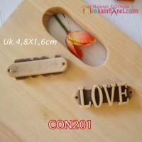 "CON201	Connector ""LOVE"" corak kayu uk 4,8x1,6cm (1 Bks isi 6)"