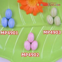 MP49	Mote Plastik Belimbing uk 1x1,8cm (Per Lusin)